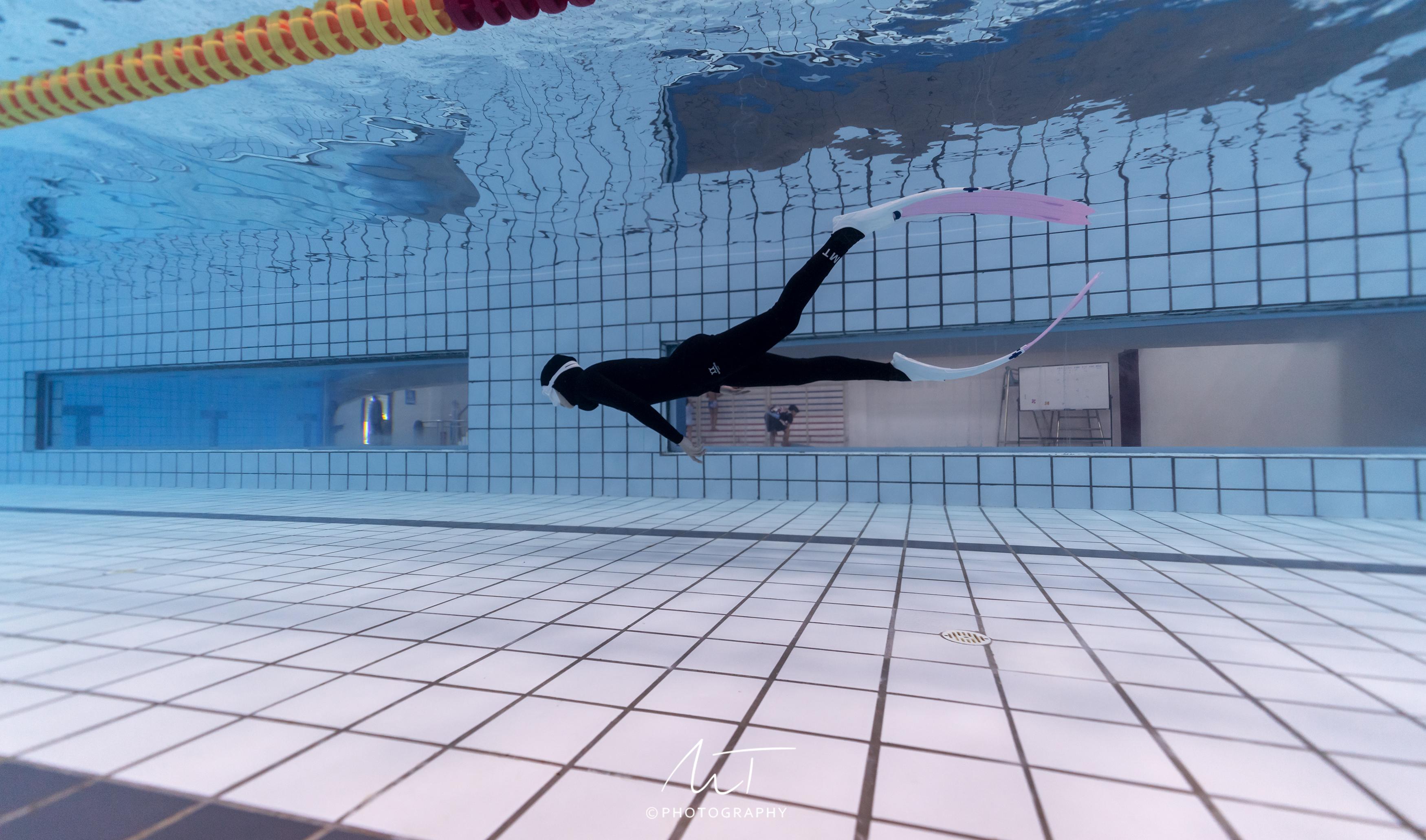 专业泳池训练