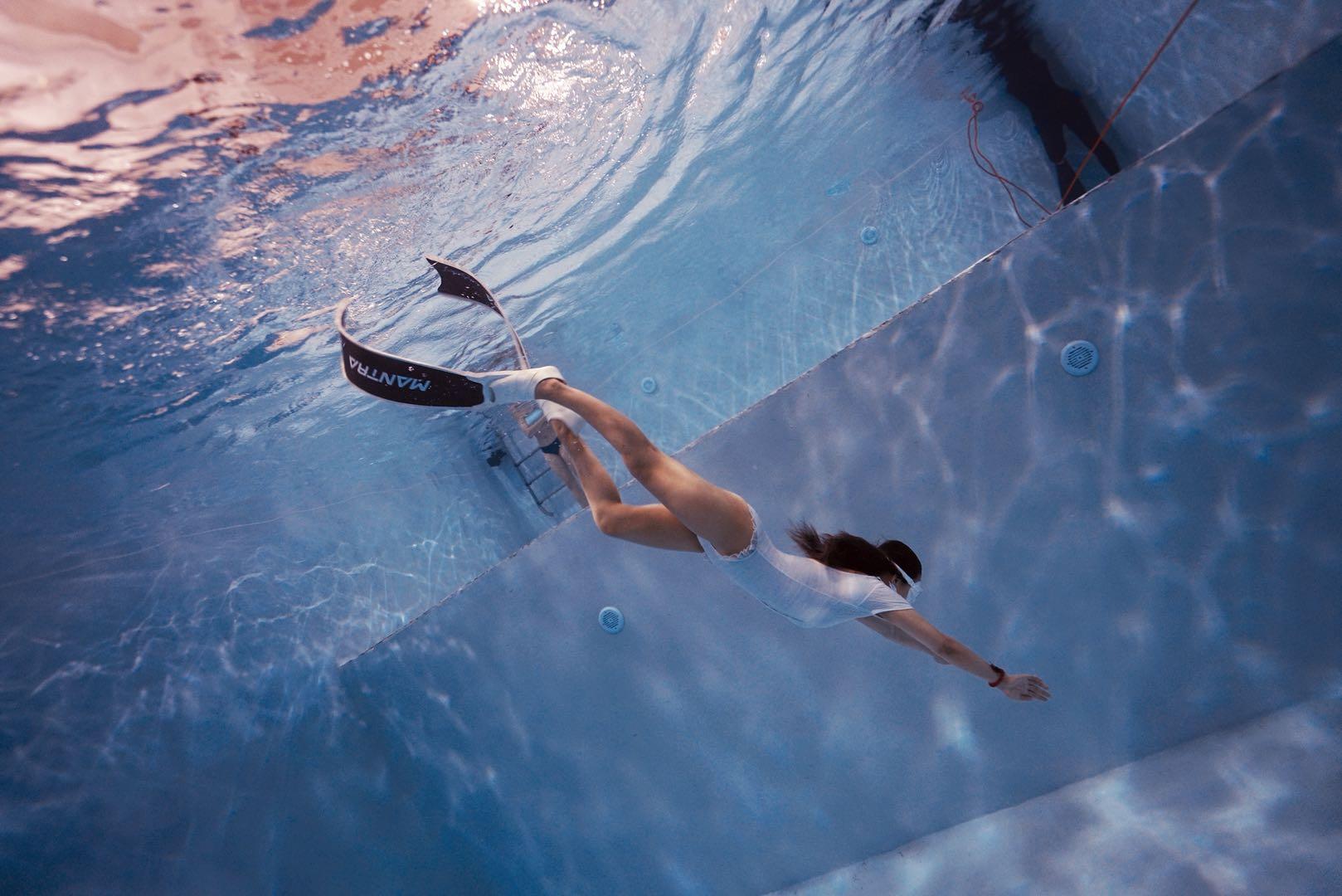 自由潜水泳池训练